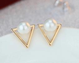 aretes-geometricos-estilo-perla-dorados