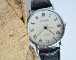 reloj-hombre-simple-desig-numeros-romanos-negro