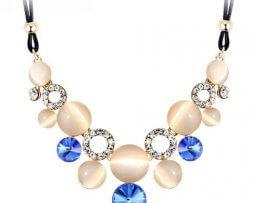collar-rinstone-gemas-azul-tono-dorado