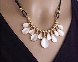 collar-cristal-lagrimas-mujer