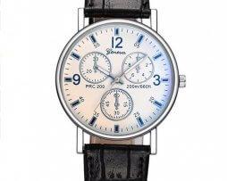 reloj-cronografo-fondo-blanco-correa-negra