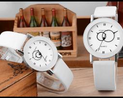 reloj-pareja-blanco-numeros-romanos