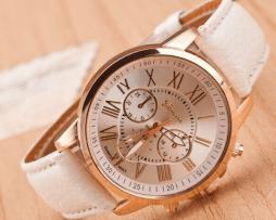 reloj-cronografo-cuero-blanco